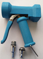 Spray gun for milking parlours